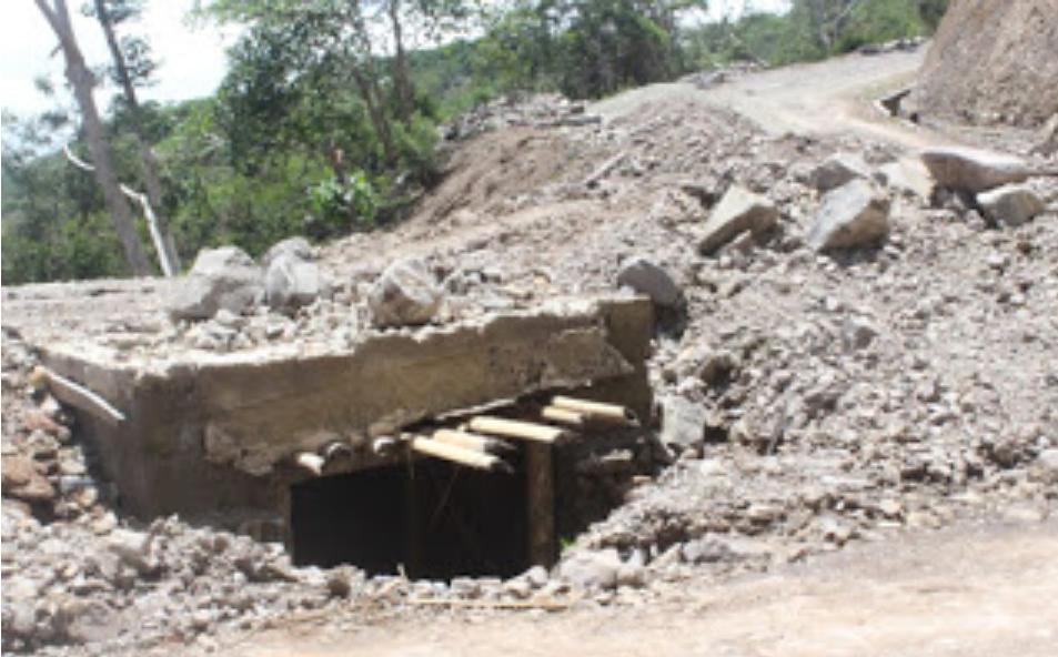 Pekerjaan Jalan Provinsi Senilai Rp 14,1 Miliar di Matim Mangkrak
