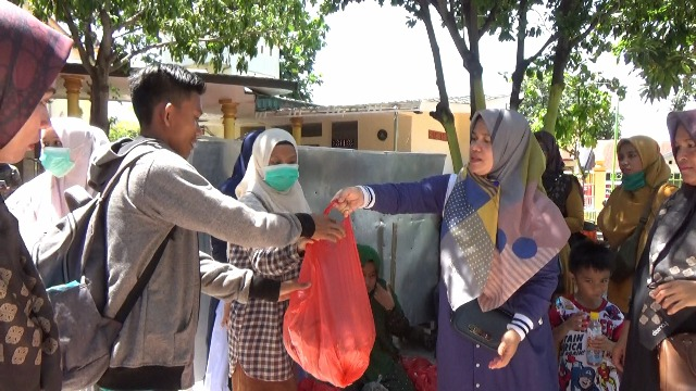 Komunitas Muslimah Berbagi Kasih